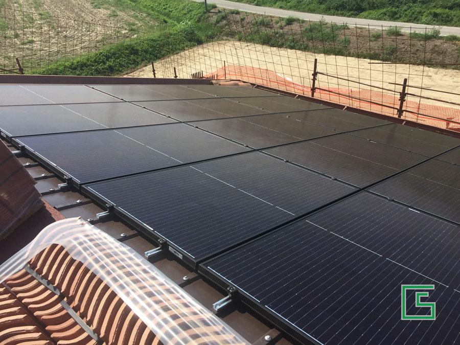 Pannelli Fotovoltaici della Bifamiliare Bovolenta Nuova costruzione a cura dello studio tecnico geometra Schiavon
